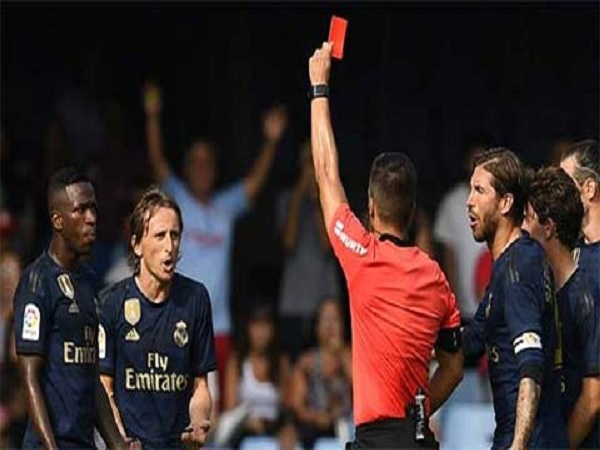 Tin bóng đá quốc tế 22/8: Modric bị treo giò 1 trận
