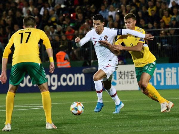 Tin bóng đá quốc tế 11/9: Ronaldo lập kỷ lục ghi bàn ở vòng loại EURO