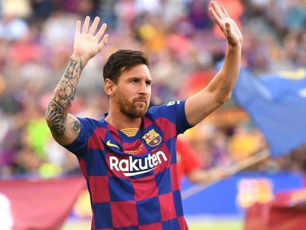 Tin bóng đá quốc tế 12/9: Messi vẫn chưa thể chiến La Liga 2019/20