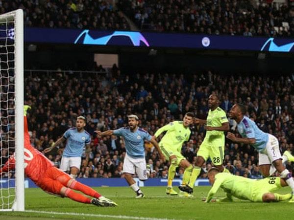 Tin bóng đá quốc tế 2/10: Man City mất oan phạt đền