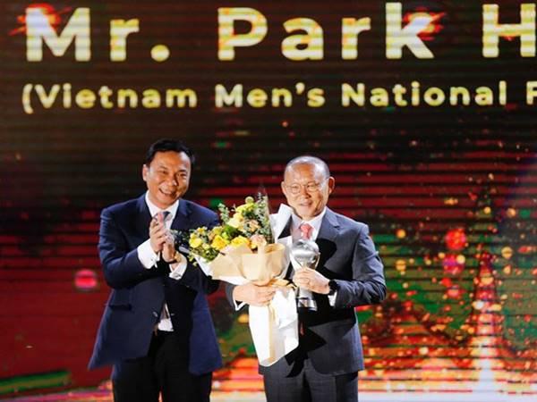 HLV Park Hang-seo quyết ở lại Việt Nam với tình yêu bóng đá