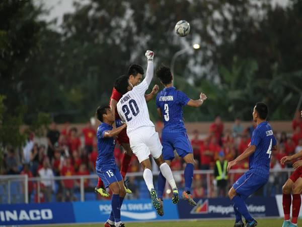 Thủ môn U22 Thái Lan không hài lòng với quyết định của trọng tài