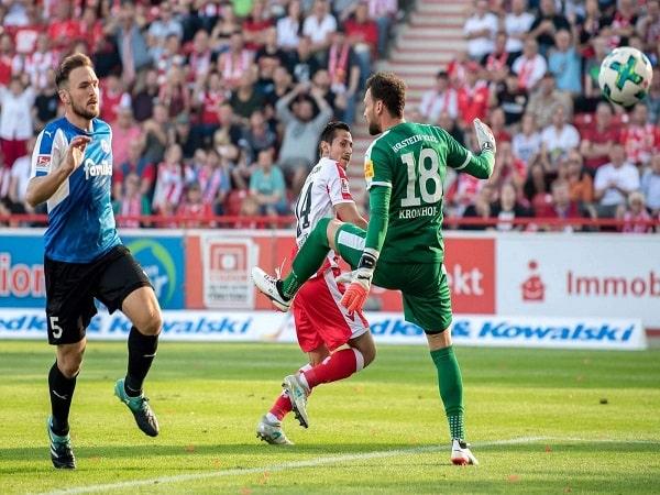 Soi-keo-Hannover-vs-Kiel-02h30-ngay-3-3-hang-hai-Duc-1-min