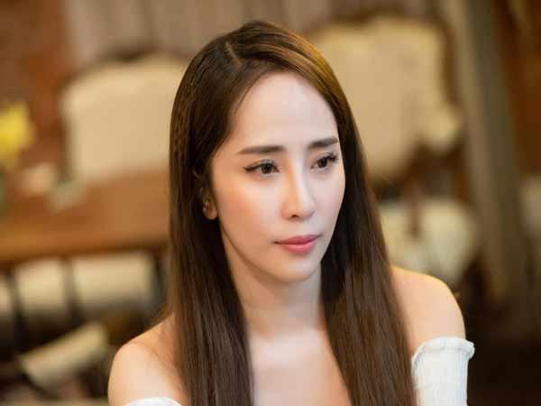 Diễn viên Quỳnh Nga là một cô nàng xinh đẹp và sở hữu một giọng hát hay
