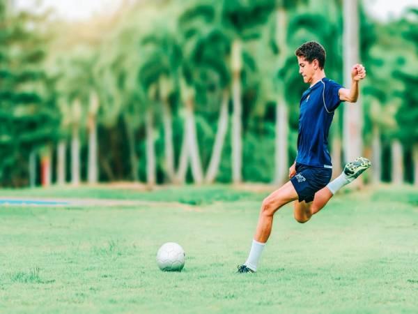 Đá bóng có tác dụng gì khiến bạn lập tức muốn ra sân