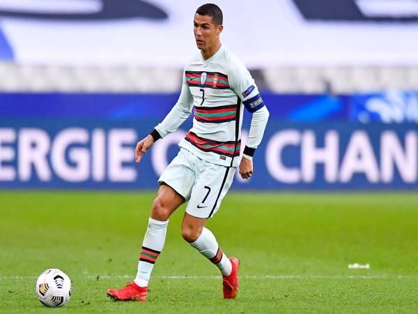 Ronaldo là ai? Tiểu sử, sự nghiệp thi đấu của Ronaldo