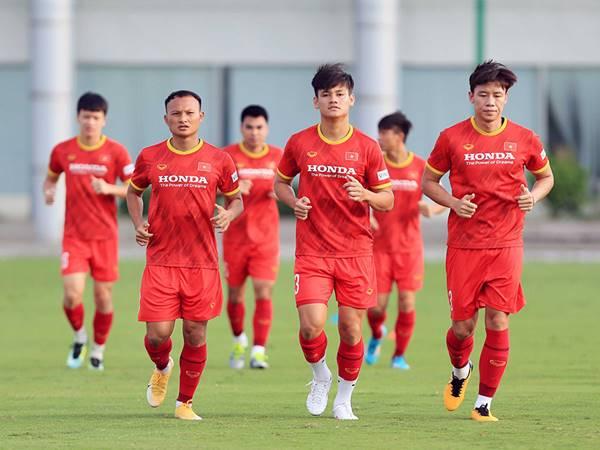 BĐVN 8/9: Tuyển Việt Nam tiếp tục tập luyện chờ đấu Trung Quốc